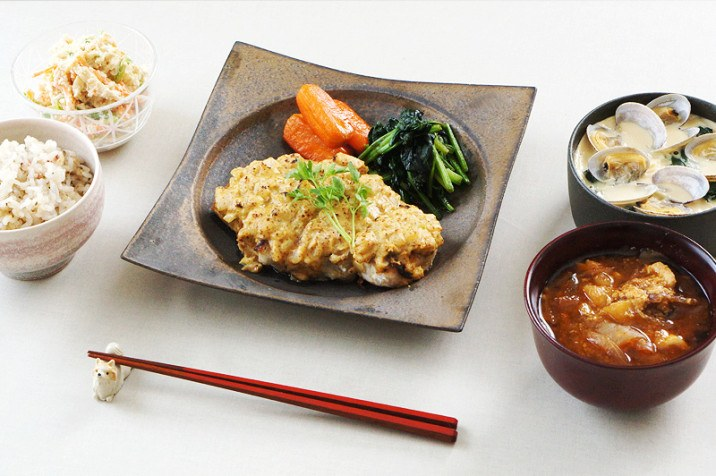 銅彩釉 角皿(大)×粒マスタードのチキンソテー(Nahさま)