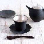 木下和美の黒釉銀彩カップ&ソーサー