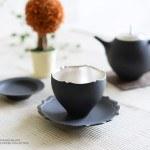 木下和美の黒釉銀彩輪花カップ