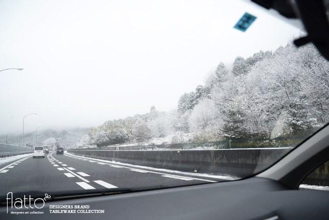 名神高速道路からの雪景色