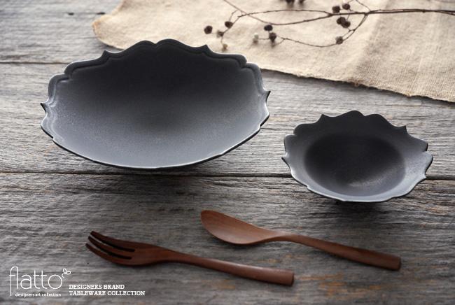 木下和美さんの黒釉輪花鉢と黒釉輪花小鉢