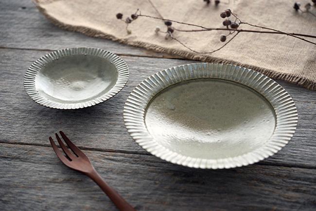 市野耕さんの灰釉7寸リム鎬鉢