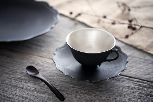 木下和美さんの黒釉銀彩カップ&ソーサーver2(L)