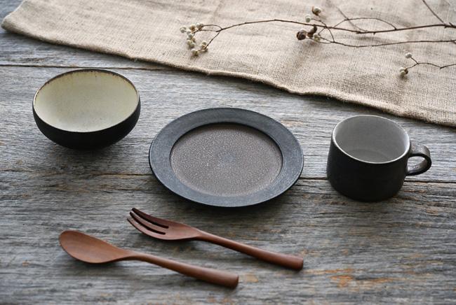 加藤裕章さんの黒錆釉シリーズの和食器