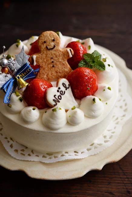 和食器とクリスマスケーキ