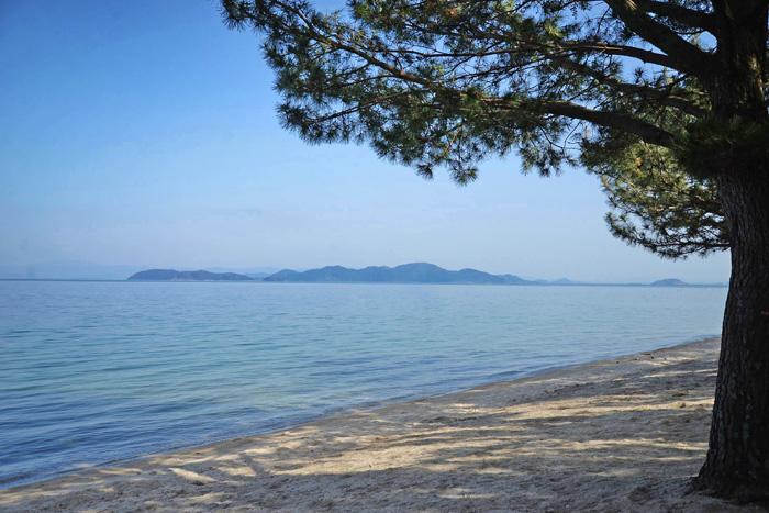 琵琶湖の近江舞子浜